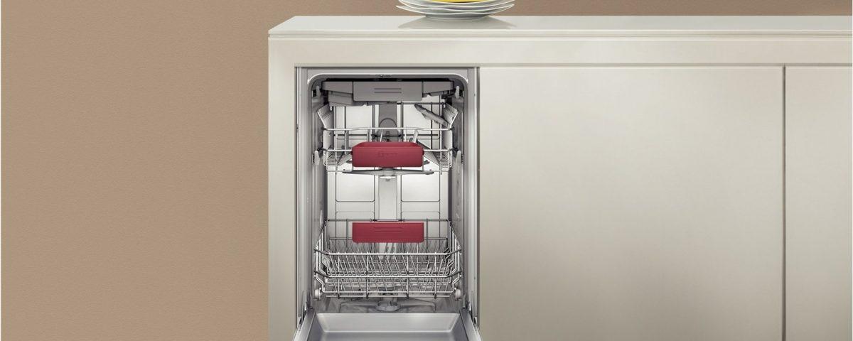 Белый налет на посуде после мойки: причины и возможные неисправности посудомоечной машины